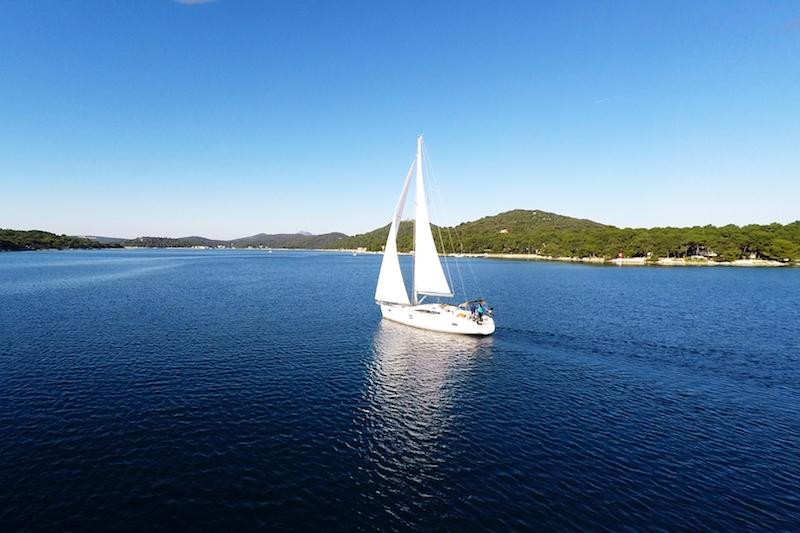 I 10 benefici di una vacanza in barca a vela